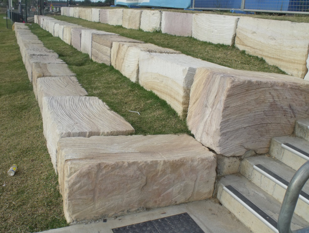 Assisi College Coomera Sandstone Retaining Wall Blocks